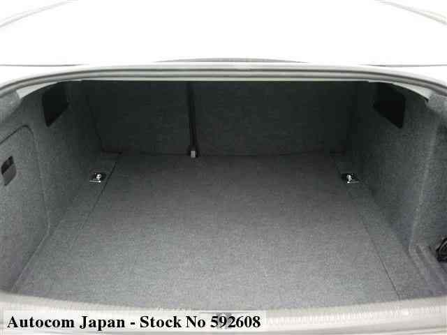 STOCK No.592608 AUDI A4 Image11