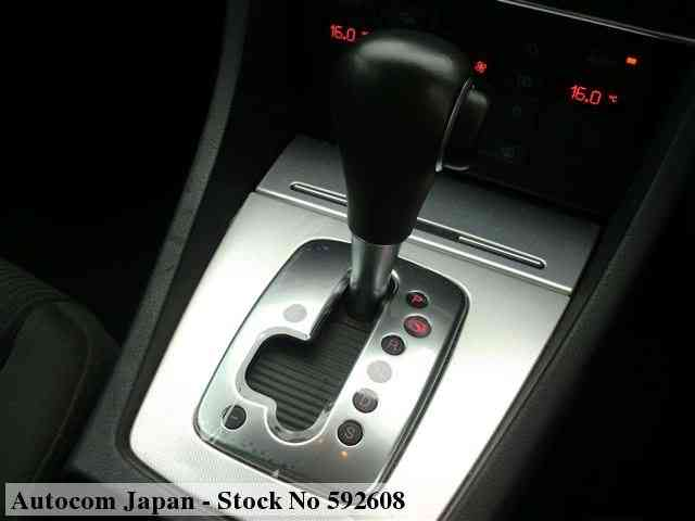STOCK No.592608 AUDI A4 Image15