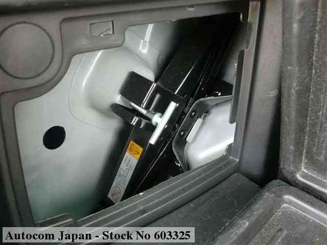 STOCK No.603325 MAZDA PREMACY Image27